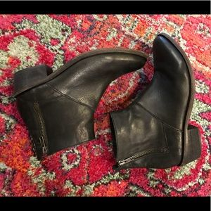 Hudson Chelsea Boots - Size 7